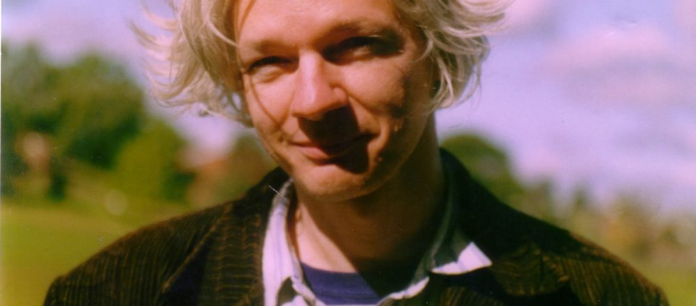 Julian_Assange_full