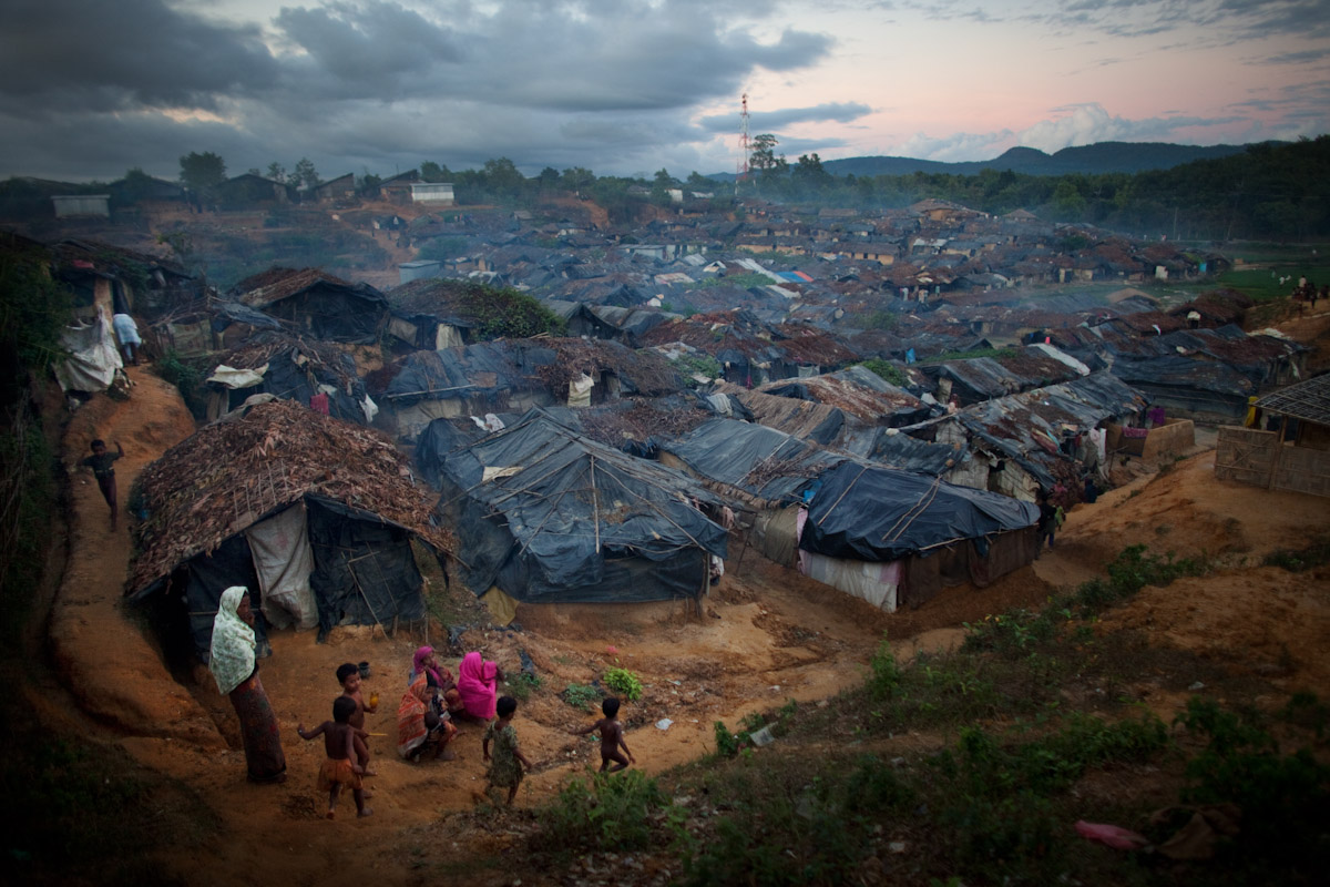 Unregistered Rohingya Refugees - Jonathan Saruk - Right Now