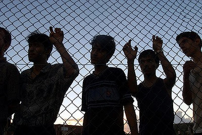 Asylum seekers fenced in