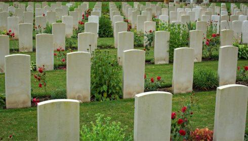 Pixabay war graveyard image