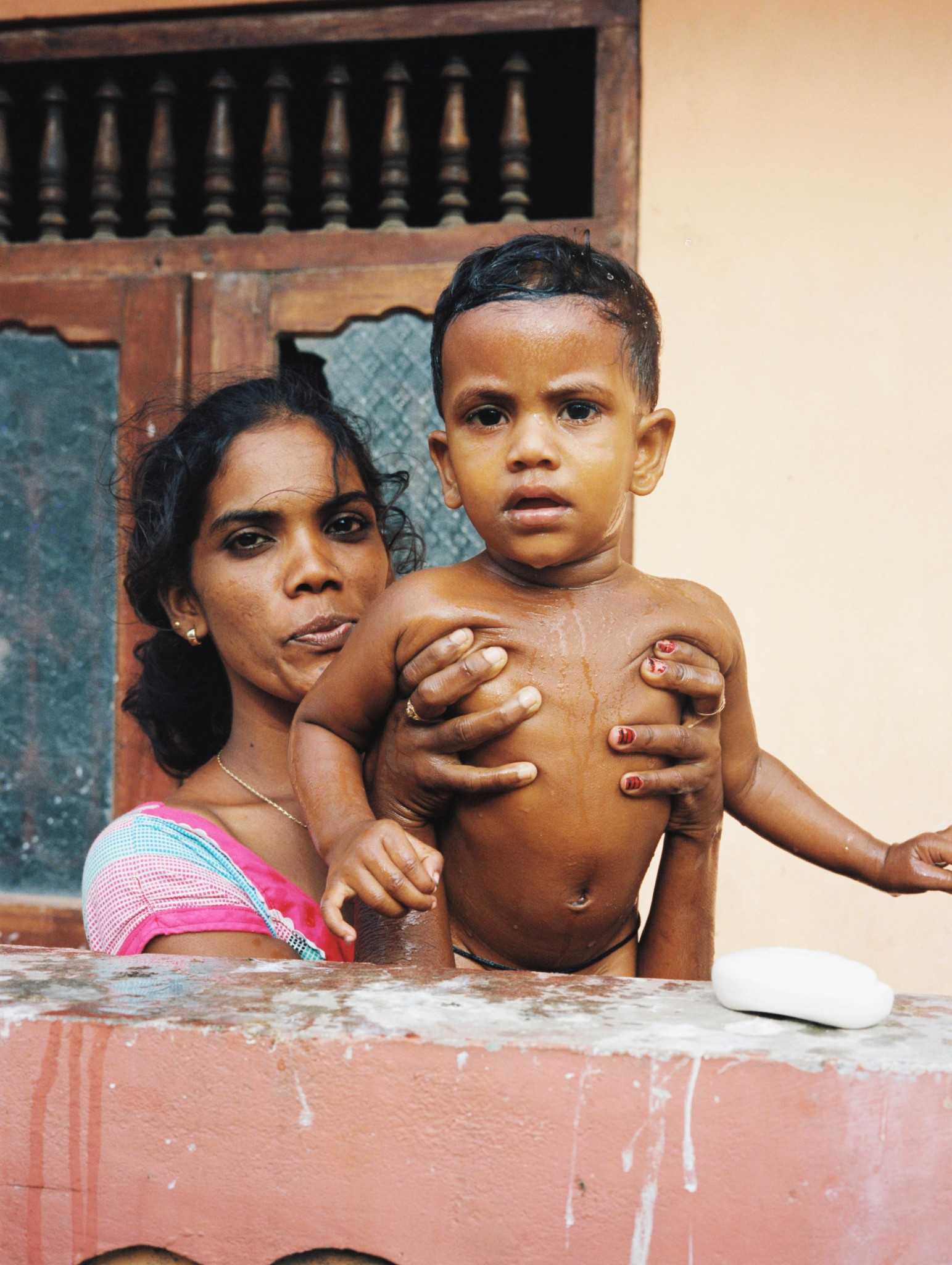 young mother gurunagar sri lanka