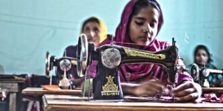 Bangladeshi_women_sewing_clothes