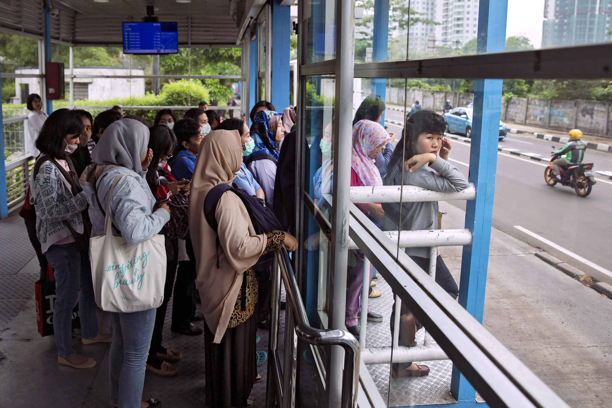 un women jakarta transport women