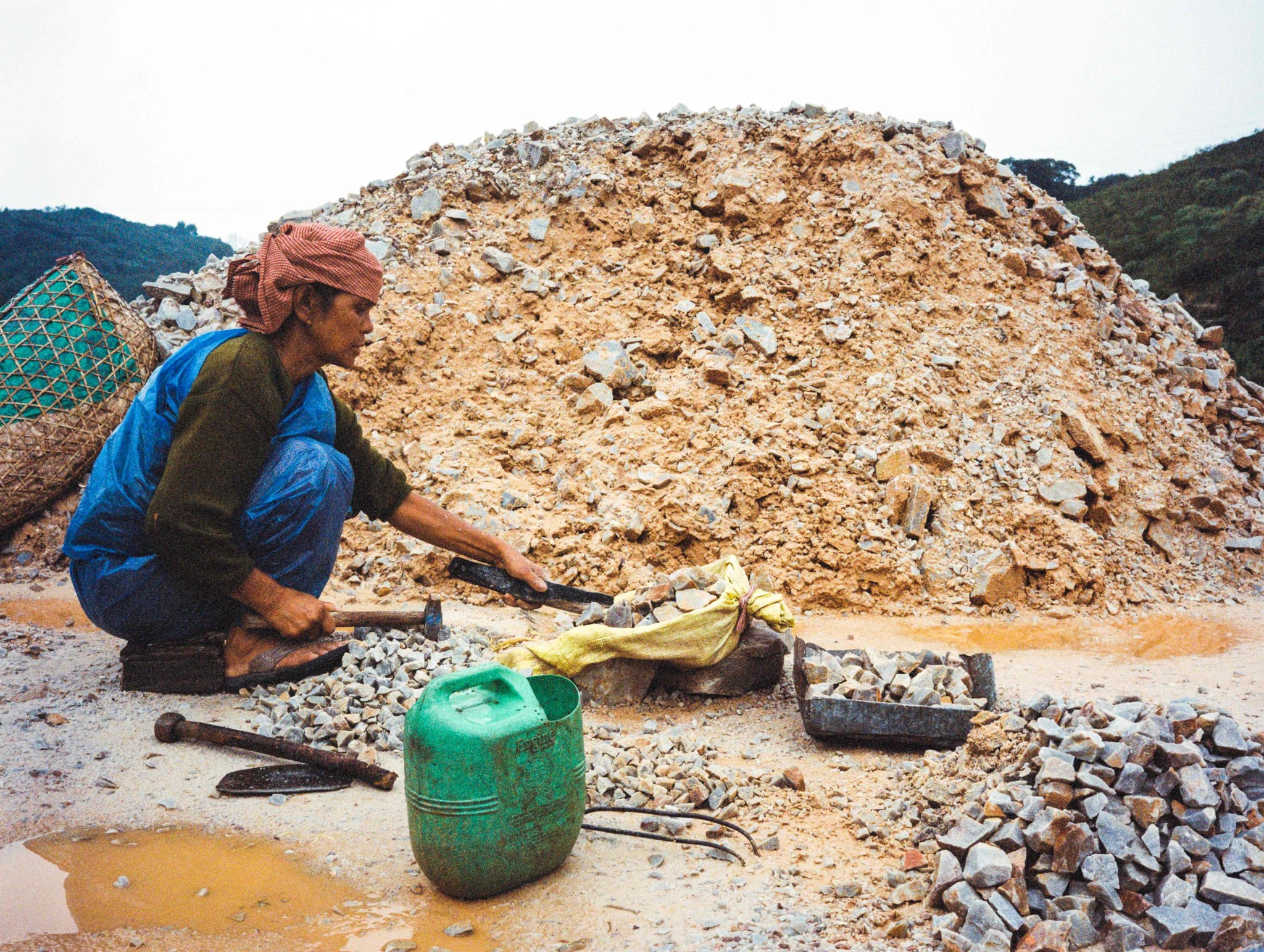 For this back-breaking work - 12 hours a day, 6 days a week - the 'nong shain maw' are paid around $2 a day.