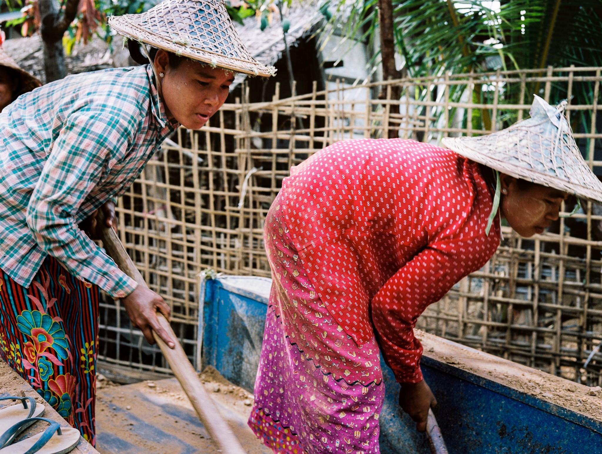 women rohingya